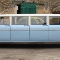 Big family car: 1968 Checker Aerobus