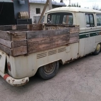 Wood-proof butt: 1967 Volkswagen T2 Bay Window Doka Deluxe
