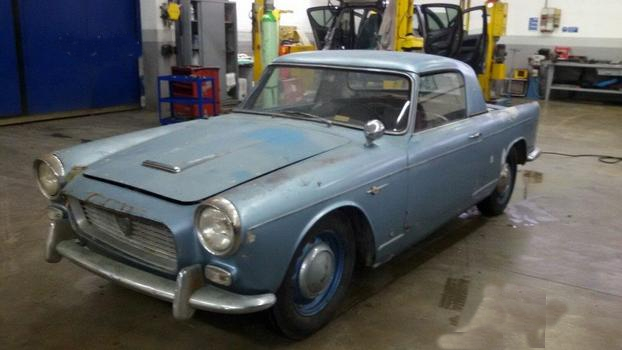 Matted sky: 1962 Lancia Appia Convertibile by Vignale | Classic Virus