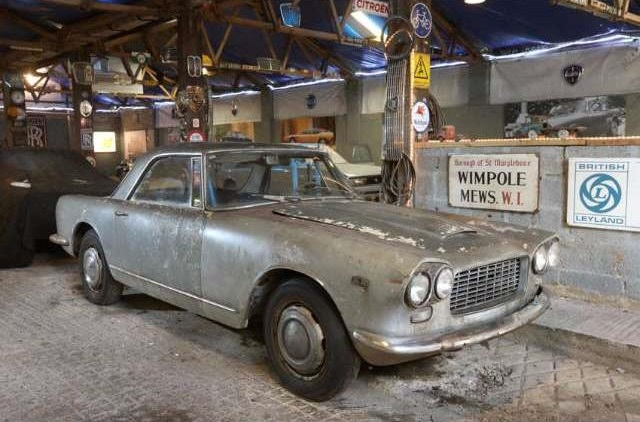 High roof: 1964 Lancia Flaminia GTL 2800 3C Coupé by Touring ...