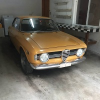 Yellow winter: 1967 Alfa Romeo Giulia Sprint GT Veloce