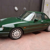British Racing Green: 1991 Alfa Romeo Spider 2000