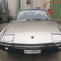 Sicilian burgundy: 1975 VW-Porsche 914 2.0