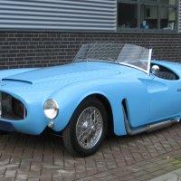 The pale blue twin: 1955 Moretti 1200 Sport