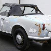 Single inside: 1959 Alfa Romeo Giulietta Spider Veloce